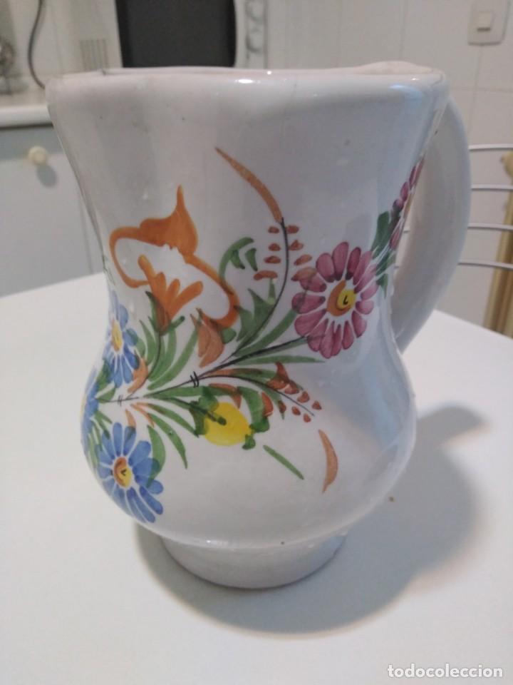 LARIO, BONITA Y ANTIGUA JARRA (Antigüedades - Porcelanas y Cerámicas - Lario)