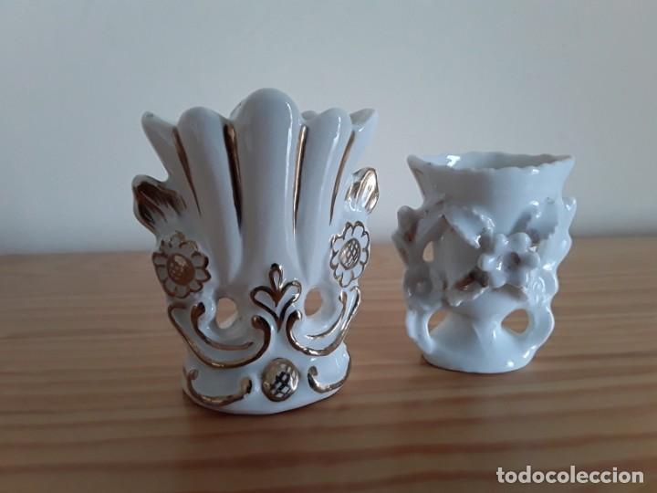 JARRONCITOS PORCELANA TIPO ISABELINO (Antigüedades - Porcelanas y Cerámicas - Otras)