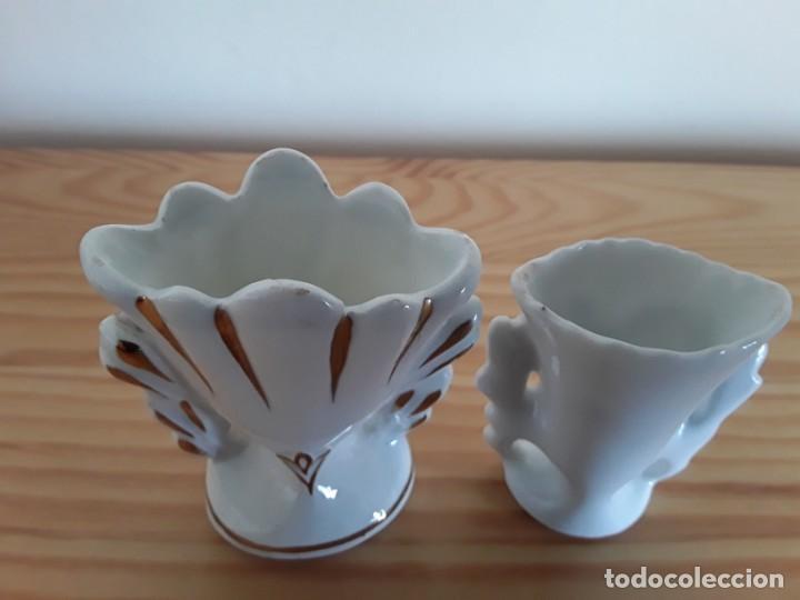 Antigüedades: Jarroncitos porcelana tipo Isabelino - Foto 3 - 140848978