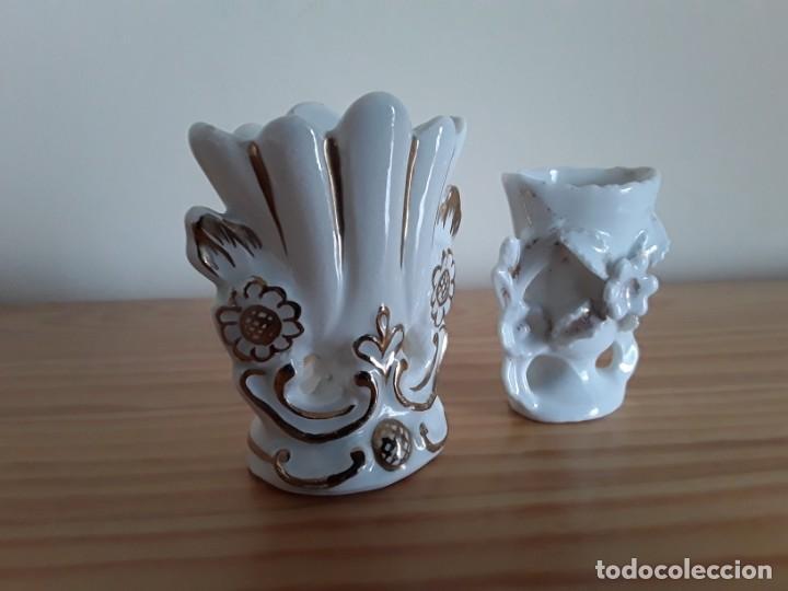 Antigüedades: Jarroncitos porcelana tipo Isabelino - Foto 6 - 140848978