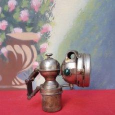 Antigüedades: LÁMPARA FAROL DE CARBURO DE BICICLETA. Lote 140870476
