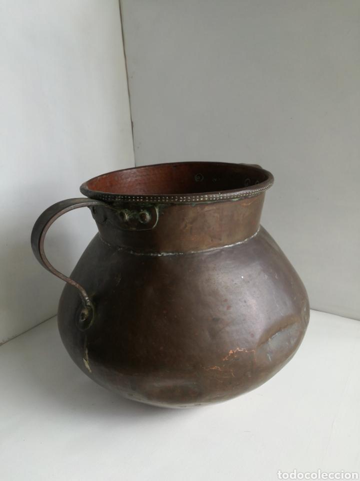 ANTIGUO CALDERO DE COBRE REMACHADO 23CM (Antigüedades - Técnicas - Rústicas - Utensilios del Hogar)