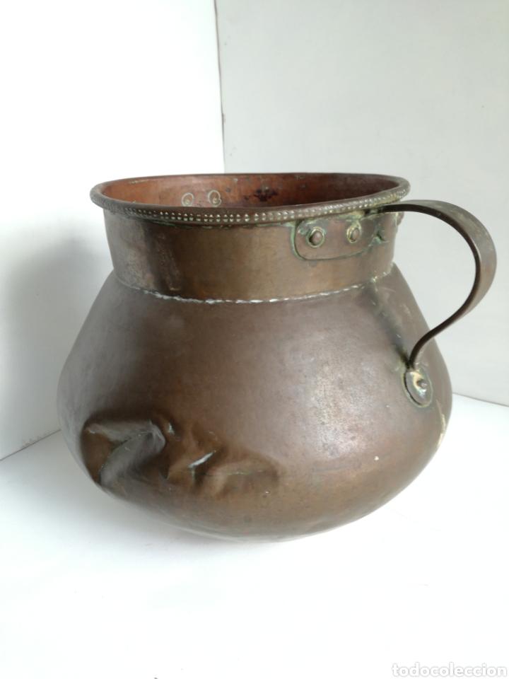 Antigüedades: ANTIGUO CALDERO DE COBRE REMACHADO 23CM - Foto 5 - 140872710