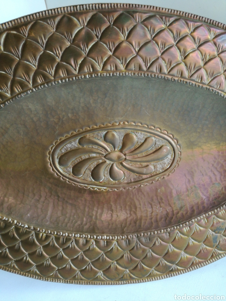 Antigüedades: ANTIGUA BANDEJA DE COBRE REPUJADO 46X30cm // METAL CINCELADO - Foto 4 - 140876414