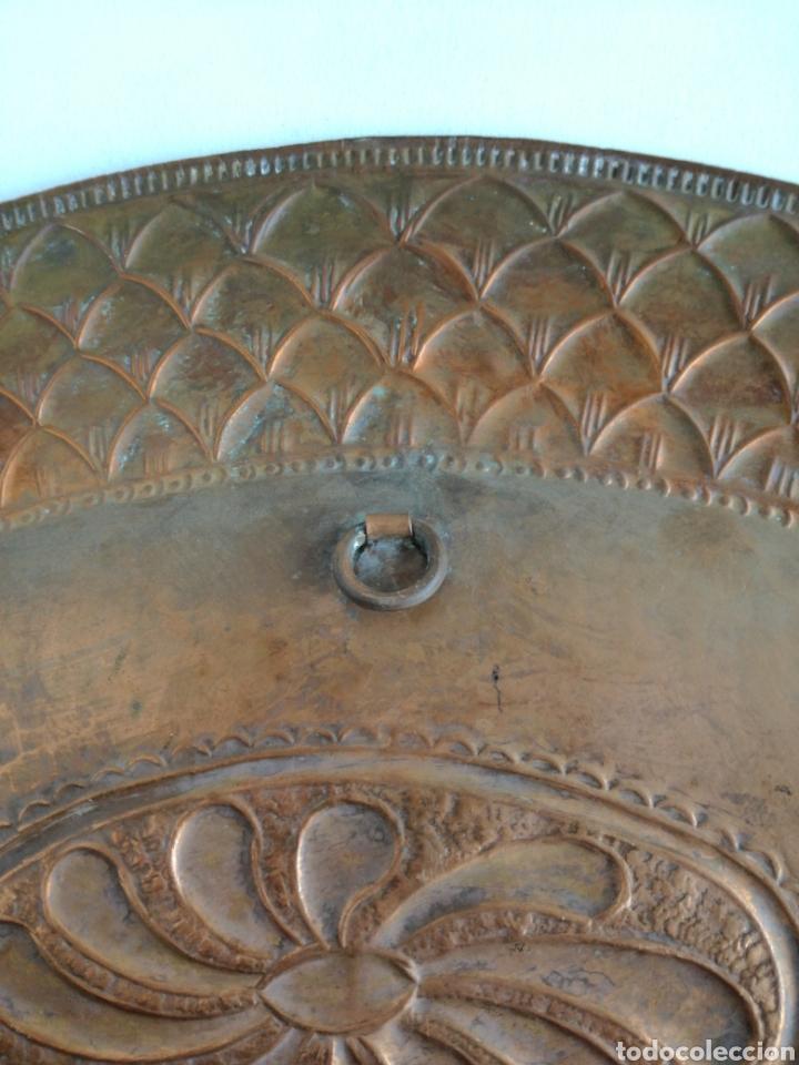 Antigüedades: ANTIGUA BANDEJA DE COBRE REPUJADO 46X30cm // METAL CINCELADO - Foto 8 - 140876414