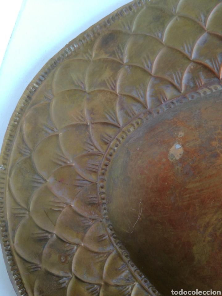 Antigüedades: ANTIGUA BANDEJA DE COBRE REPUJADO 46X30cm // METAL CINCELADO - Foto 11 - 140876414