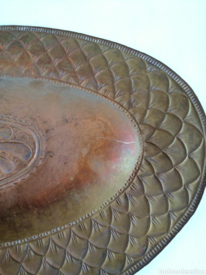 Antigüedades: ANTIGUA BANDEJA DE COBRE REPUJADO 46X30cm // METAL CINCELADO - Foto 13 - 140876414