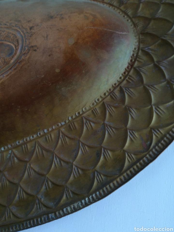 Antigüedades: ANTIGUA BANDEJA DE COBRE REPUJADO 46X30cm // METAL CINCELADO - Foto 14 - 140876414