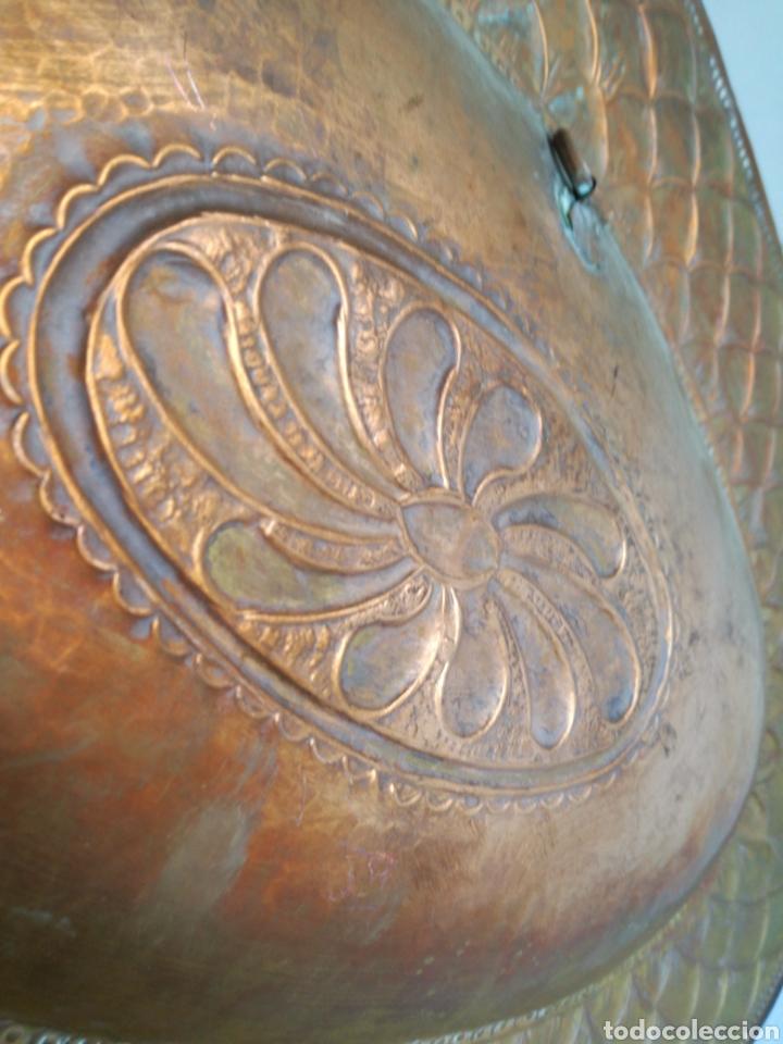 Antigüedades: ANTIGUA BANDEJA DE COBRE REPUJADO 46X30cm // METAL CINCELADO - Foto 15 - 140876414