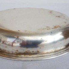 Antigüedades: BANDEJA OVALADA EN BRONCE PLATEADO. Lote 140883586