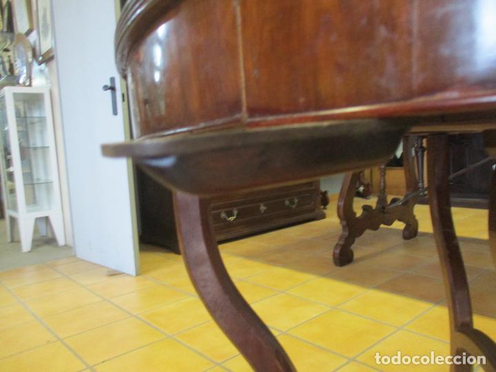 Antigüedades: Curiosa Mesa de Comedor - Madera de Caoba - Extensible - Pata Central - 124 cm Diámetro - S. XIX - Foto 15 - 140887310