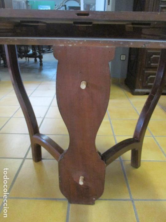 Antigüedades: Curiosa Mesa de Comedor - Madera de Caoba - Extensible - Pata Central - 124 cm Diámetro - S. XIX - Foto 22 - 140887310