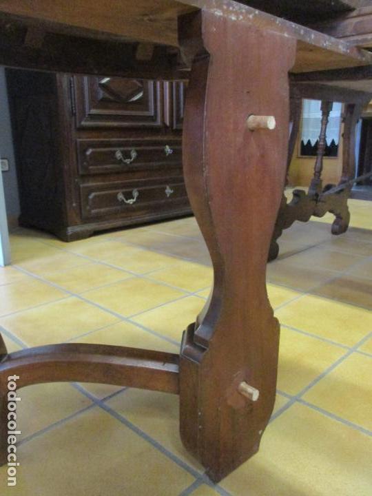 Antigüedades: Curiosa Mesa de Comedor - Madera de Caoba - Extensible - Pata Central - 124 cm Diámetro - S. XIX - Foto 23 - 140887310