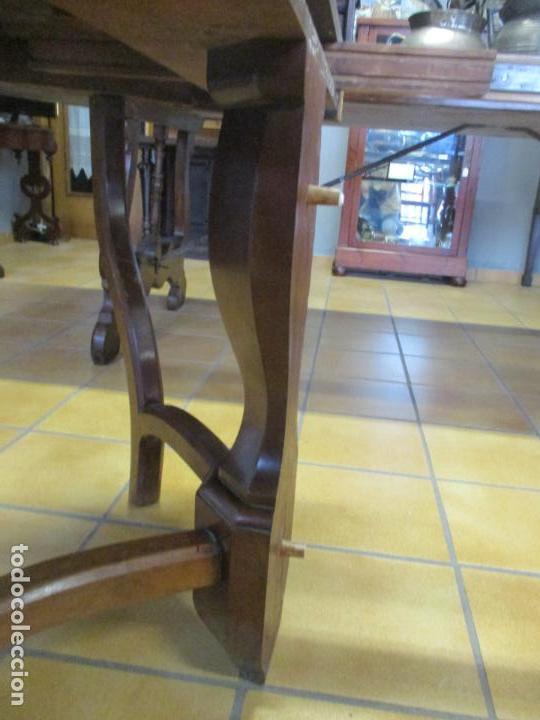 Antigüedades: Curiosa Mesa de Comedor - Madera de Caoba - Extensible - Pata Central - 124 cm Diámetro - S. XIX - Foto 24 - 140887310
