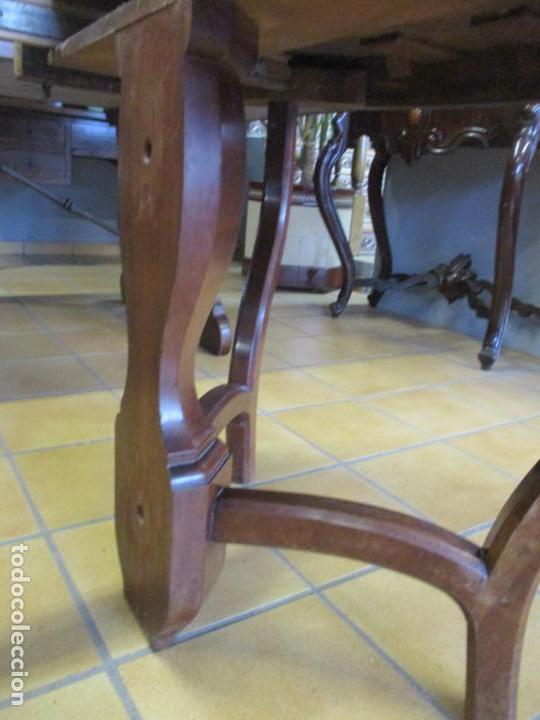 Antigüedades: Curiosa Mesa de Comedor - Madera de Caoba - Extensible - Pata Central - 124 cm Diámetro - S. XIX - Foto 25 - 140887310