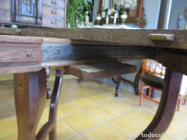 Antigüedades: Curiosa Mesa de Comedor - Madera de Caoba - Extensible - Pata Central - 124 cm Diámetro - S. XIX - Foto 26 - 140887310