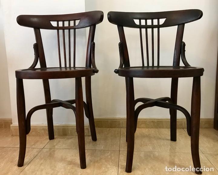Antigüedades: Pareja de sillas butacas thonet de principios del siglo XX. Restauradas. - Foto 3 - 140890334
