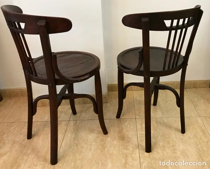 Antigüedades: Pareja de sillas butacas thonet de principios del siglo XX. Restauradas. - Foto 4 - 140890334