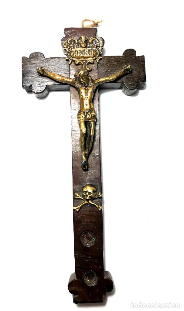 CRUZ RELICARIO MADERA - BRONCE - RELIQUIAS - S. XVII - XVIII (Antigüedades - Religiosas - Cruces Antiguas)