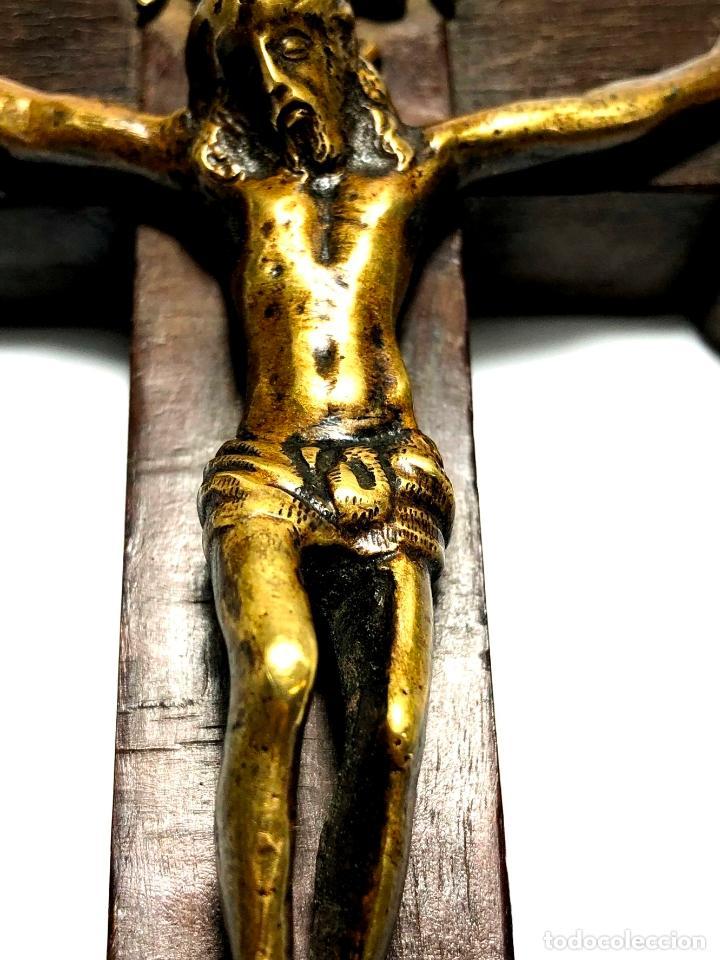 Antigüedades: CRUZ RELICARIO MADERA - BRONCE - RELIQUIAS - S. XVII - XVIII - Foto 6 - 140902006