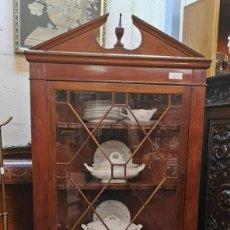 Antigüedades: VITRINA RINCONERA.. Lote 140929094