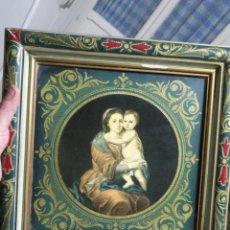 Antigüedades: PRECIOSA IMAGEN VIRGEN CON NIÑO JESUS MARCO DE MADERA POLICROMADO ESTOFADO PAN DE ORO VER FOTOS. Lote 140982766