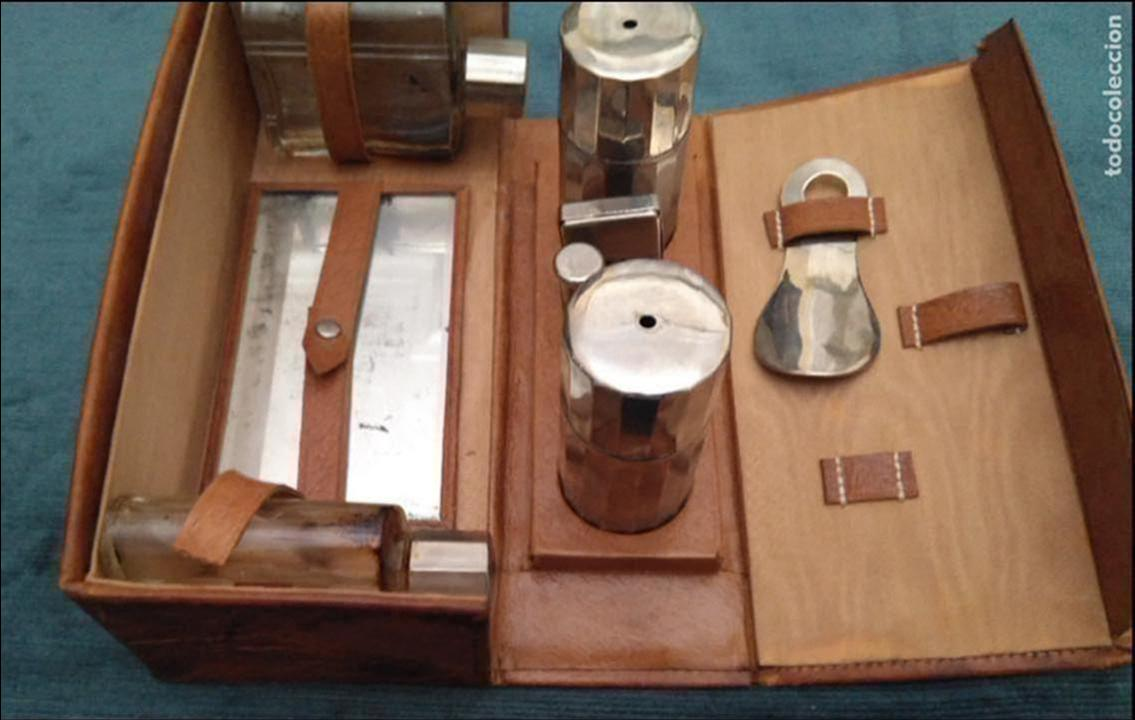 Antigüedades: Antiguo Set de afeitado y aseo de viaje, piel,metal y cristal. 20 x 9 x 7 cm. H. mediados S. XX - Foto 3 - 141022854
