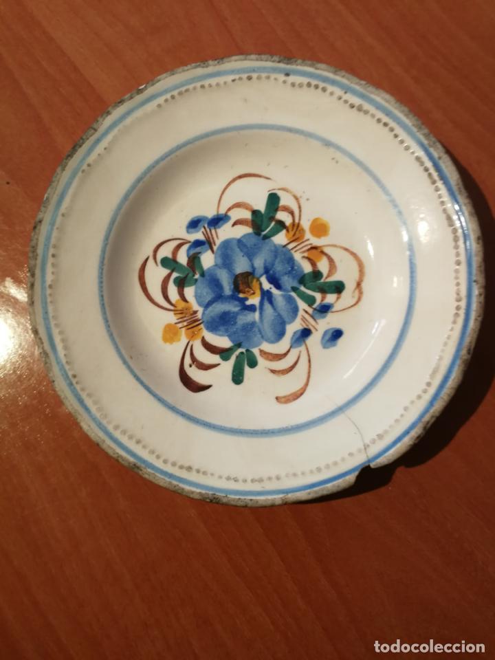 ANTIGUO PLATO SIGLO XIX POSIBLE SARGADELOS FLORES PINTADAS A MANO (Antigüedades - Porcelanas y Cerámicas - Sargadelos)