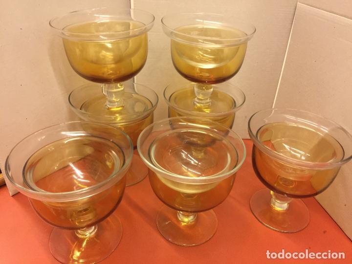 LOTE DE 7 COPAS PARA COCTEL DE GAMBAS O APERITIVOS EN PRECIOSO CRISTAL AMBAR . CRISTALERIA. LEER MAS (Antigüedades - Cristal y Vidrio - Otros)