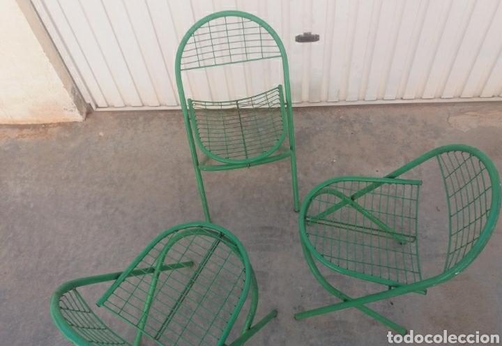 Antigüedades: Preciosas sillas antiguas de jardin de hierro color original verde diseño Nordico vintage años 60 - Foto 3 - 141127241