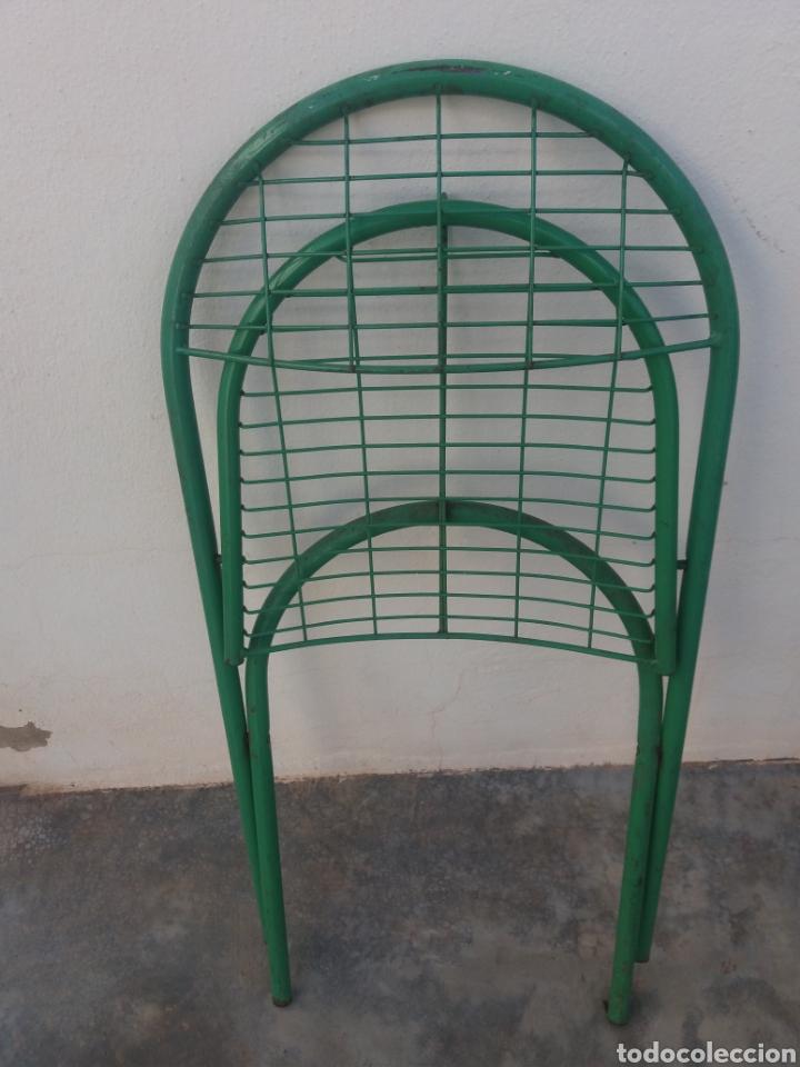 Antigüedades: Preciosas sillas antiguas de jardin de hierro color original verde diseño Nordico vintage años 60 - Foto 4 - 141127241