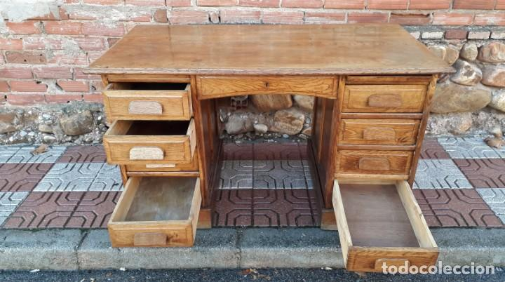 Antigüedades: Escritorio americano de roble. Mesa de despacho antigua estilo americano. Escritorio antiguo - Foto 9 - 141136634