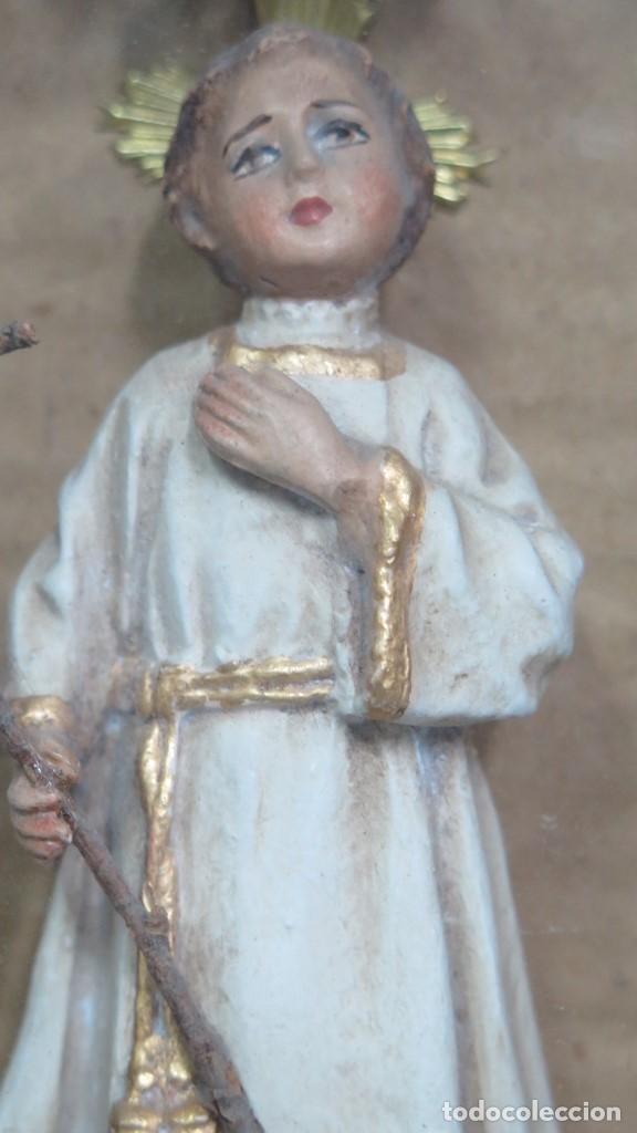 Antigüedades: PRECISO TRABAJO CONVENTUAL CON IMAGEN DE NIÑO JESUS EN ORLA DE FLORES METALICAS. SIGLO XIX - Foto 3 - 141138186