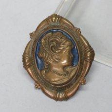 Antigüedades: ANTIGUO BROCHE MODERNISTA TIPO CAMAFEO. FINALES SIGLO XIX. Lote 141162022