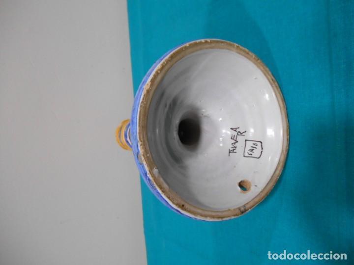 Antigüedades: ANTIGUO CANDELABRO PORTAVELAS DE CERAMICA DE TALAVERA FIRMADO SASO - Foto 3 - 141240230