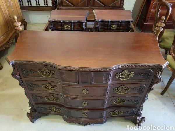 PRECIOSA COMODA CASTAÑO MADERA MACIZA TALLADA (Antigüedades - Muebles - Cómodas Antiguas)