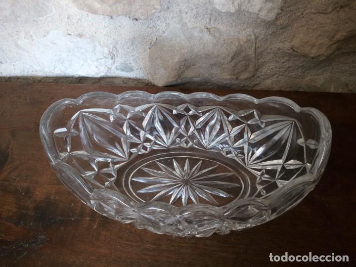 Antigüedades: Centro de mesa de cristal tallado. - Foto 2 - 141292402