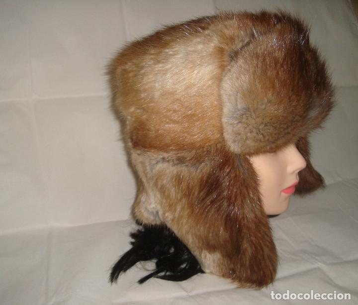 ANTIGUO GORRO DE PIEL TALLA 57 CON OREJERAS (Antigüedades - Moda - Sombreros Antiguos)