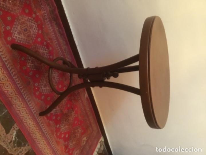 VELADOR ESTILO TONET (Antigüedades - Muebles Antiguos - Veladores Antiguos)