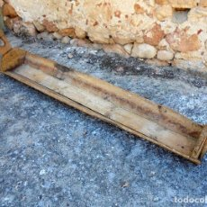 Antigüedades: ANTIGUA ARTESA DE TABLAS ALARGADA - DUERNO DUERNA ABREVADERO PESEBRE DORNAJO COMEDERO. Lote 141595122