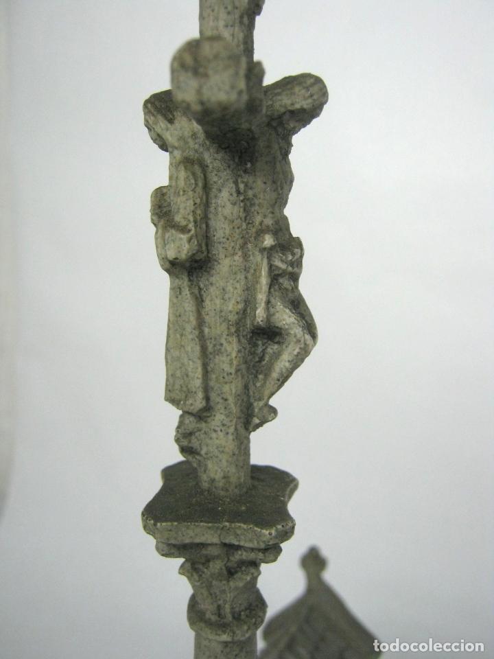 Antigüedades: 38 cm - Horreo y Cruceiro Cruz con peana - Galicia - Camino de Santiago - Foto 5 - 141597734