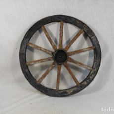 Antigüedades: RUEDA DE CARRO PEQUEÑA. Lote 141624822