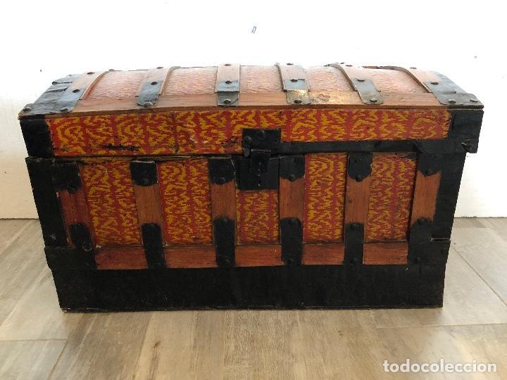 ARCA-BAUL DE CHAPA Y MADERA (Antigüedades - Muebles Antiguos - Baúles Antiguos)