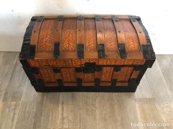 Antigüedades: ARCA-BAUL DE CHAPA Y MADERA - Foto 2 - 141645014