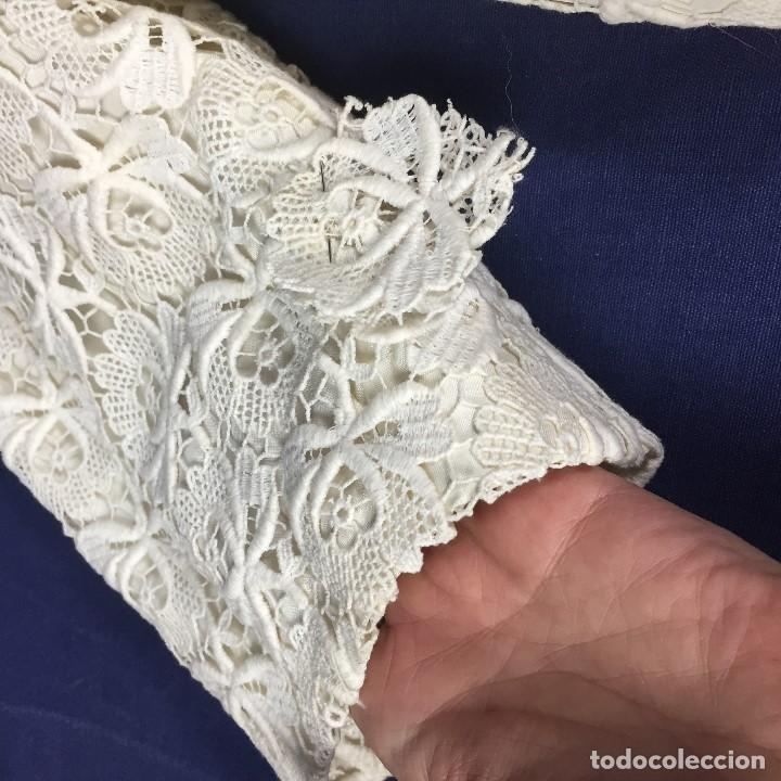 Antigüedades: chaqueta torera encaje guipur raso seda vintage blanco roto manga tres cuartos ceremonia años 50 - Foto 5 - 141662874