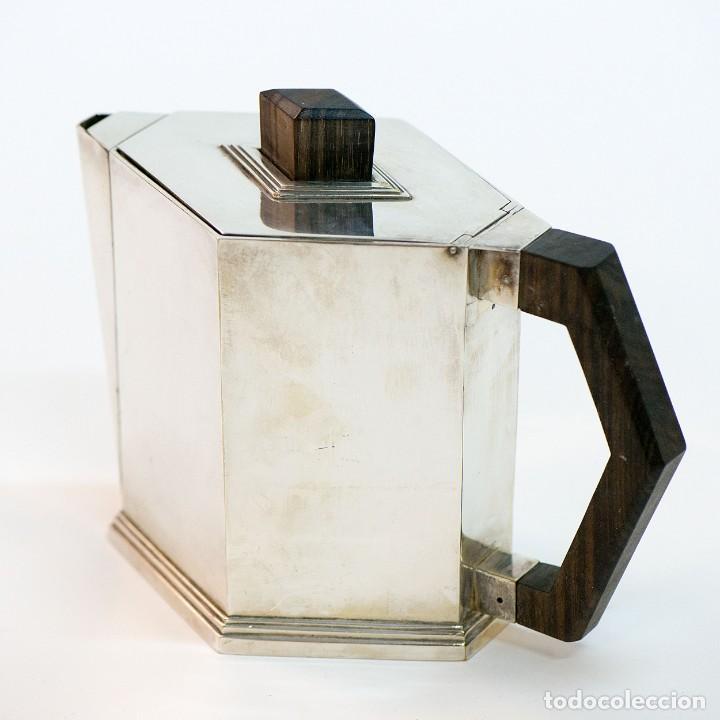 Antigüedades: Conjunto de jarra de cafe y te, y azucarera Art deco en metal plateado y punzonado. - Foto 3 - 141664822