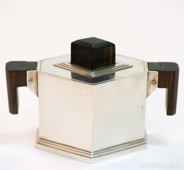 Antigüedades: Conjunto de jarra de cafe y te, y azucarera Art deco en metal plateado y punzonado. - Foto 4 - 141664822