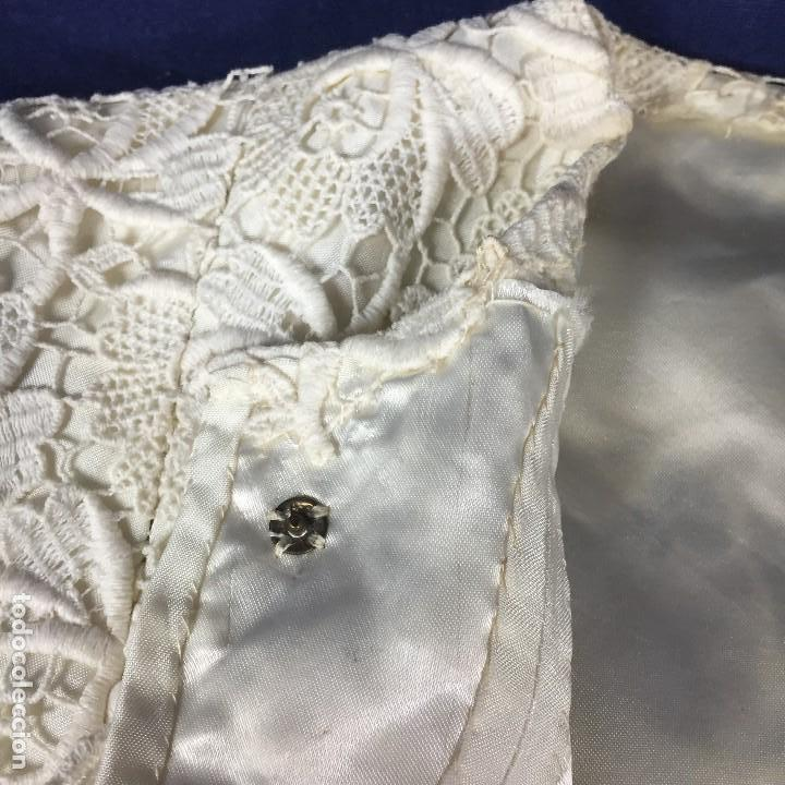 Antigüedades: chaqueta torera encaje guipur raso seda vintage blanco roto manga tres cuartos ceremonia años 50 - Foto 10 - 141662874