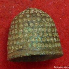 Antigüedades: 78-INTERESANTE Y ANTIGUO DEDAL EN BRONCE ÉPOCA MEDIEVAL--SIGLOS XII AL XIV. Lote 141710034