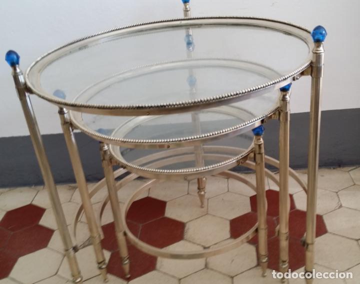 Antigüedades: Tres (3) antiguas mesas / mesitas nido - Foto 2 - 141724526